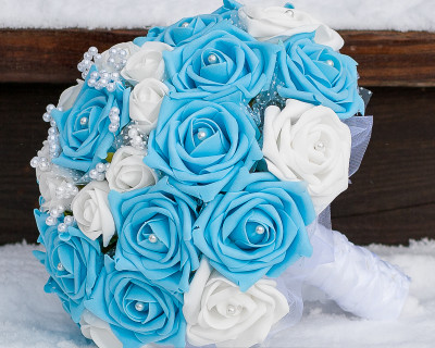 turquoise and blue wedding bouquet pearls