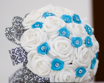 turquoise and white wedding bouquet damask ribbon details and pins