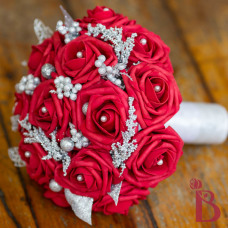 red roses wedding bouquet with silver accents winter holiday wedding red frost style