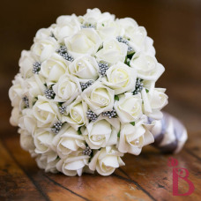 ivory and gray wedding bouquet cream roses and gray berries