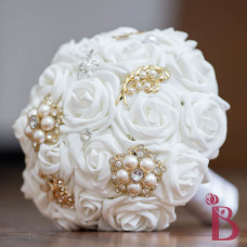 gold and silver brooch bouquet white roses alternative bouquet