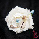 seashell boutonniere light blue pale ocean blue wiht shells crema rose