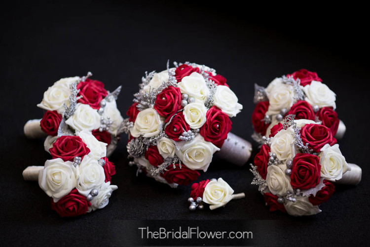 Romantic Red And White Wedding Centerpieces