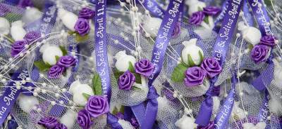mini boutonnieres for guests cvjetici za kicenje za svadbu balkan flowers bosnian custom