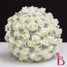 top view of gray ivory rose buds berry wedding bouquet