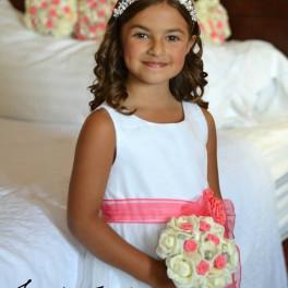 flower girl seashell bouquet