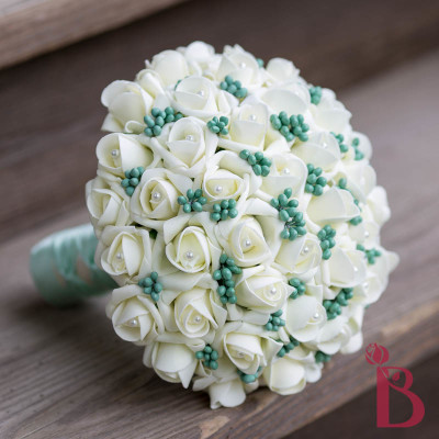 ivory mint green berry wedding bouquet