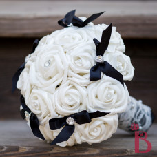 white roses black bows wedding bouquet
