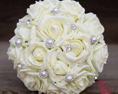 ivory wedding bouquet pearl sparkly gems