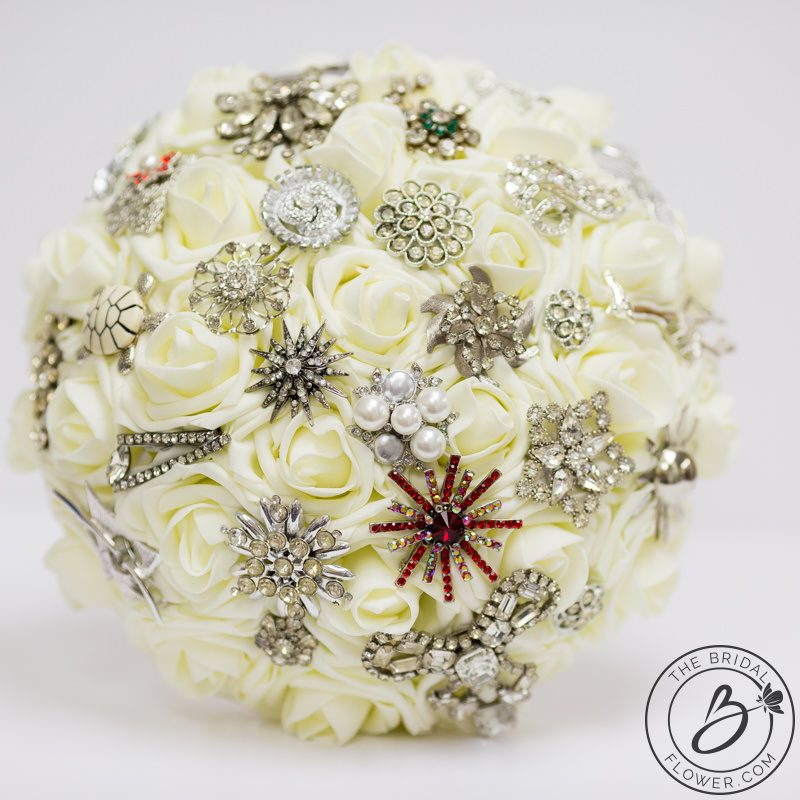 how to make a brooch bouquet with real flowers